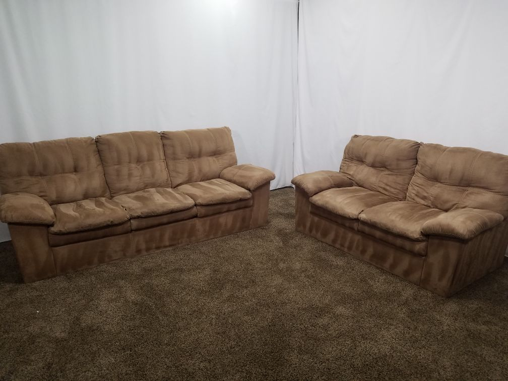 Pleasant 1467 Professionally Cleaned Tan Microfiber Couch And Loveseat Set Andrewgaddart Wooden Chair Designs For Living Room Andrewgaddartcom